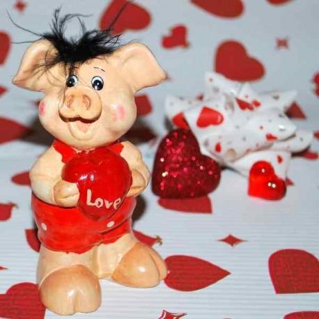 Keramické prasiatko s červeným srdiečkom LOVE